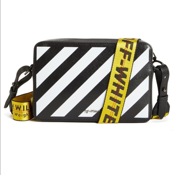 Off-White Handbags - Off white belt bag with strap/crossbody